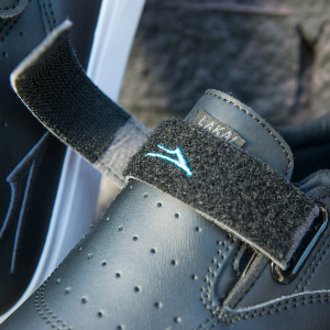 RILEY HAWK 2 - VELCRO STRAP BLACK LEATHER